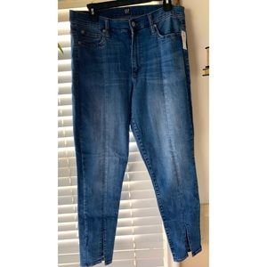 NWT- Gap True Skinny 1969 Jeans with Ankle Slit👖